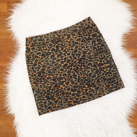 2/$20 NWOT H&M leopard print skirt